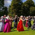 Танцы – непременная часть развлечения в стиле dejeuner champetre