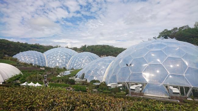 Проект Эдем (Eden Project) – самый крупный и высокотехнологичный ботанический сад в мире