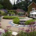 """Coldharbour Garden """"Сад на террасе становится ещё более интересным, когда вы делите пространство на более камерные зоны"""""""